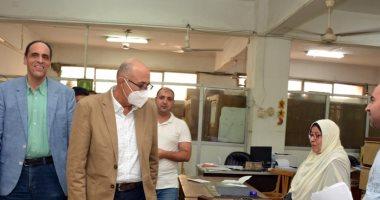 القائم بعمل رئيس جامعة طنطا يتابع استعدادات الكليات للعام الدراسي الجديد