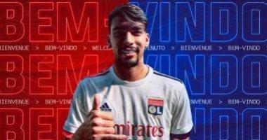 ليون يعلن تعاقده مع البرازيلي باكيتا من ميلان