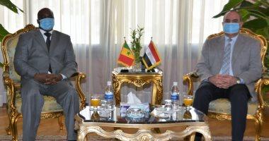 وزير الطيران يبحث مع سفير السنغال سبل تعزيز التعاون المشترك