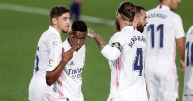 ريال مدريد يتخطى بلد الوليد بصعوبة فى الدوري الإسباني.. فيديو