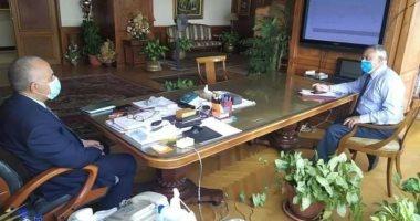 وزير الرى يستعرض مستجدات مشروع تأهيل وتبطين الترع والحماية من السيول