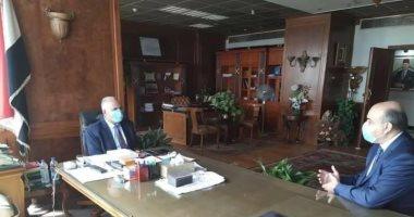 وزير الرى يبحث مع سفيرى مصر فى البوسنة وهولندا التعاون فى مجال إدارة المياه