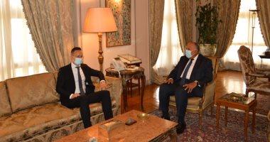 سامح شكرى يستقبل وزير خارجية وتجارة المجر فى مقر الوزارة بالقاهرة