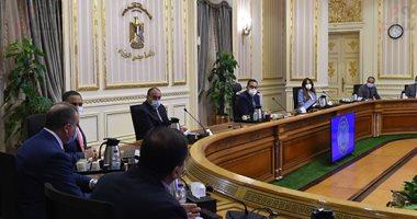 مدبولى يتابع تنفيذ تكليفات الرئيس بإقامة تجمعات سكنية مخططة بعواصم المحافظات