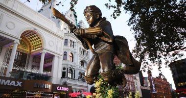 تفاصيل الكشف عن تمثال هارى بوتر فى ساحة ليستر ببريطانيا