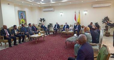 محافظ شمال سيناء يؤكد اهتمام الرئيس والدولة بدعم التنمية الشاملة بالمحافظة