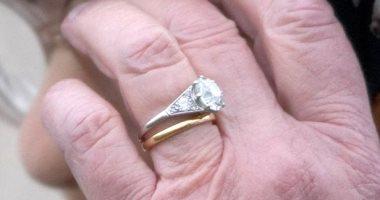 قصة النقوش السرية على خاتم زواج الملكة إليزابيث لا تخلعه أبدا