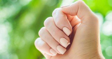 7 مشاكل محتملة وراء الأظافر المكسورة غير إنك اتحسدتى من الصابون للجفاف