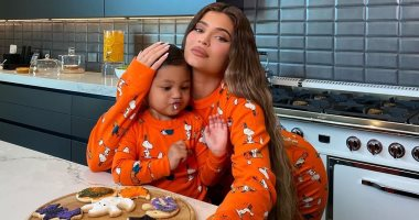 """Kylie Jenner announces her second pregnancy with a video showing the fetus... and her daughter accepts her """"belly""""... Photos"""