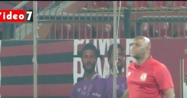 """موسيمانى """"يعنف"""" لاعبي الأهلى في مباراة إنبي.. فيديو"""