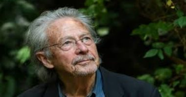 للتذكير .. بيتر هاندكه آخر فائز بجائزة نوبل فى الأدب يحب القرآن واللغة العربية