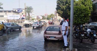 كثافات مرورية بسبب كسر ماسورة مياه أمام كوبرى الدقى اتجاه المهندسين