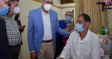 رئيس جامعة طنطا يواصل جولاته المفاجئة بالمستشفيات الجامعية ليلا.. صور