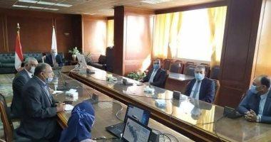 وزير الرى: حلول جذرية لمشاكل المياه فى سيوة ودعم المزارعين بتجارب للرى الحديث