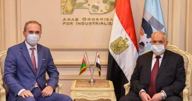 العربية للتصنيع تبحث الشراكة وتوطين التكنولوجيا وتدريب الكوادر مع سفير بيلاروسيا