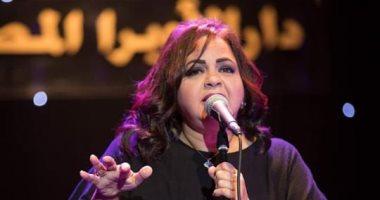 حنان ماضى تحيى اليوم حفلا غنائيا على مسرح الجمهورية