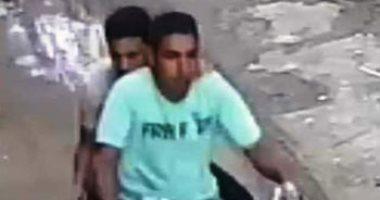القبض على المتهمين بسرقة حقيبة سيدة أثناء سيرها بالشارع بمدينة فاقوس
