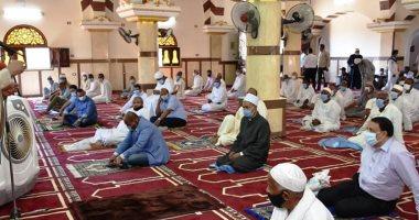 محافظ أسوان يفتتح مسجد نوح بغرب سهيل ويوجه بالإرتقاء بالبنية التحتية