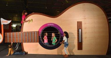 جيتار عملاق بمتحف وينشستر البريطانى بطول 10 أمتار وتكلفة 1.2 مليون يورو..صور