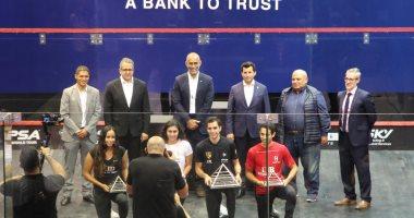 وزير الرياضة يشهد مراسم تسليم جوائز بطولة مصر الدولية للإسكواش للفائزين