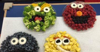 5 خدع سهلة تجعل طفلك يأكل طعاما صحيا.. لو ما بيحبش الخضراوات والفواكه