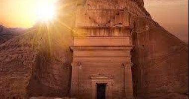 السعودية تسمح بالرحلات السياحية والتخييم بمنطقة العلا الأثرية لأول مرة منذ كورونا