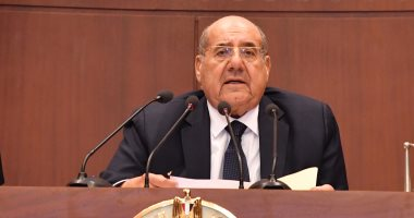 رئيس مجلس الشيوخ يهنئ الرئيس السيسى بذكرى المولد النبوى