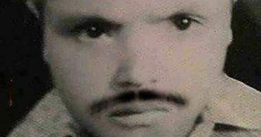 """شاهد.. محمد هنيدى طفل بـ""""شنب"""" ويعلق ساخرًا: كنت طفل راجل"""