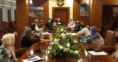 محافظ بورسعيد يتابع أعمال توصيل المرافق للإسكان الاجتماعى ببورفؤاد