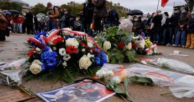 فرنسا تغلق مسجدا خارج باريس ضمن حملة بعد واقعة مدرس التاريخ