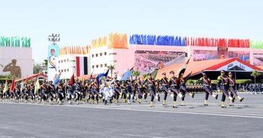 الرئيس السيسى يمنح أوائل الخريجين بالكليات العسكرية نوط الواجب العسكرى