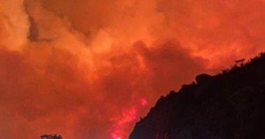 """حريق ضخم فى غابات جبل غلامة بالسعودية..وهاشتاج """"تنومة"""" يتصدر تويتر.. فيديو"""