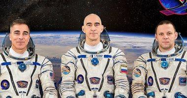 عودة 3 رواد إلى الأرض بعد قضاء 200 يوم بالفضاء.. اعرف التفاصيل