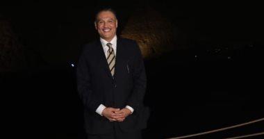 سفير السعودية بالقاهرة يجرى لقاءات دبلوماسية على هامش مشاركته بافتتاح صالة الأهرامات