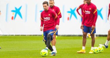 ميسي على رأس قائمة برشلونة لكلاسيكو ريال مدريد