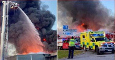 حريق ضخم يلتهم متجر كبير فى بلدة بمقاطعة يافلبورج بالسويد.. فيديو وصور