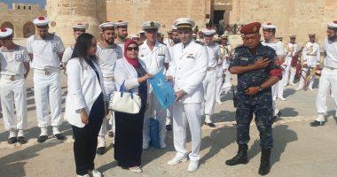 عزف موسيقى البحرية الفرنسية بساحة قلعة قايتباى في الإسكندرية.. صور