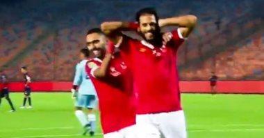 ياسر إبراهيم يسجل الهدف الثالث للأهلي أمام الوداد.. فيديو