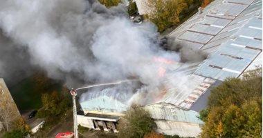 فيديو.. حريق كبير فى مستودع فى لوهافر الفرنسية وإجلاء 300 ساكن