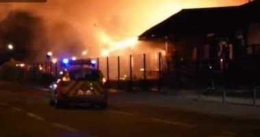 """فرق الدفاع المدني الفرنسية تحاول السيطرة على حريق """"لوهافر"""".. صور"""