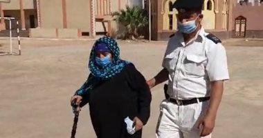 مسنة بسوهاج تؤكد خروجها للمشاركة في الانتخابات من أجل الحفاظ على مصر