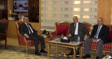 وزير العدل يناقش مع رئيس قضايا الدولة برامج تدريب أعضاء الهيئة