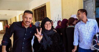 توافد المواطنين على اللجان الانتخابية بالعياط وحضور مميز للمرأة وكبار السن