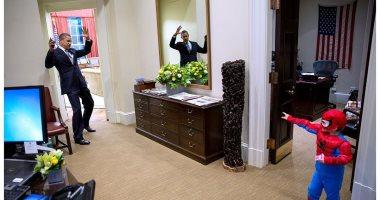 """مصور البيت الأبيض السابق يستعيد ذكريات باراك أوباما مع الأطفال فى الهالوين """"صورة"""""""
