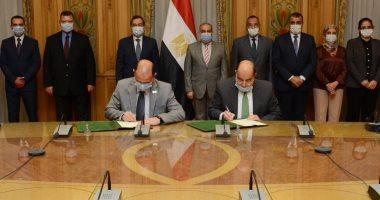 وزيرا الإنتاج الحربى والبترول يشهدان توقيع بروتوكول تعاون فى عدد من المجالات