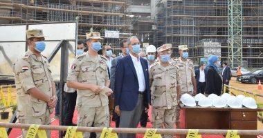وزير الاتصالات يتفقد مدينة المعرفة بالعاصمة الإدارية الجديدة