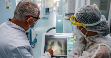 بريطانيا تسجل 24,701 إصابة جديدة بفيروس كورونا