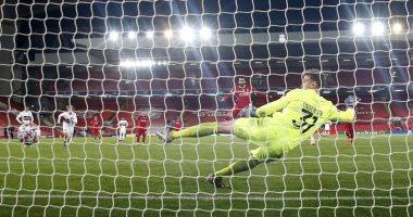"""ليفربول يحتفل بـ""""صلاح"""" بعد وصوله لـ13 هدفا من 17 مباراة على أنفيلد بدورى الأبطال"""