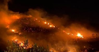 اندلاع حريق هائل فى أبها بالسعودية والداخلية تلقى القبض على 3 وافدين.. فيديو