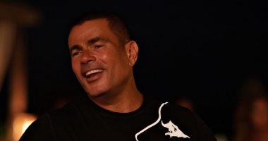 """عمرو دياب يطرح أغنيته الجديدة """"الجو جميل"""" على تطبيق أنغامي"""